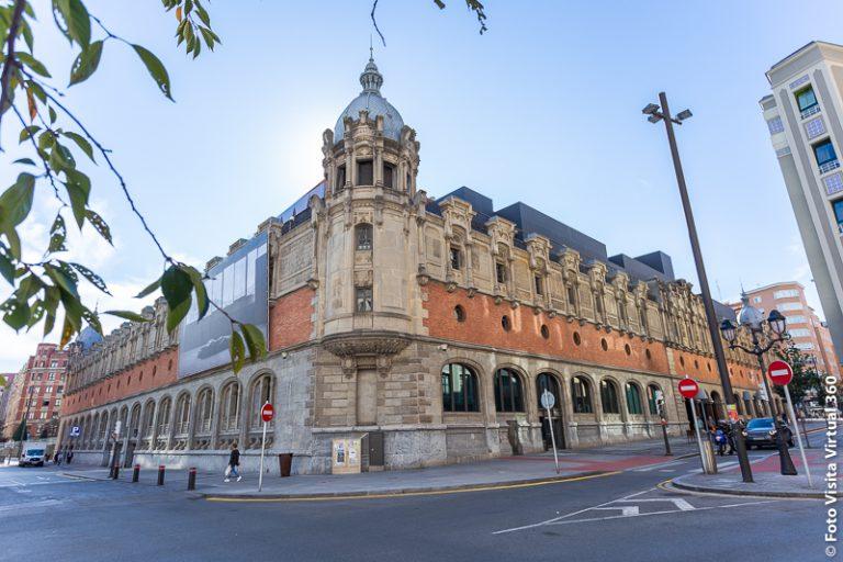 Por qué ir a Azkuna Zentroa al visitar Bilbao